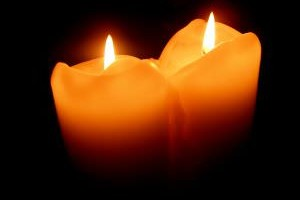 1164317_2_candles