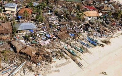 2013-11-09T144753Z_01_CHE11_RTRIDSP_3_PHILIPPINES-TYPHOON
