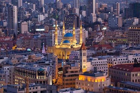Mohammed Al Amine Mosque illuminated in Beirut