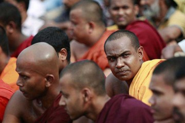 buddhist_monks