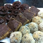 Australia @Modest_Munchies Here's my #eid treats in Brisbane Date & nut truffles, caramel slice & mini choc cakes @muslimmatters
